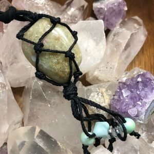 Green agate crystal stone hemp net necklace